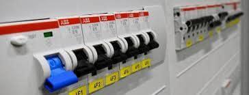 Çayyolu, Ümitköy, Yaşamkent, Konutkent her türlü elektrik arızalarınıza; firmamızın elektrikçileri, elektrik tamircileri, elektrik ustaları ile acil olarak en yakın elektrikçimizi yönlendirerek 7 gün 24 saat müdahale edilebilmektedir. sigorta ve sigorta kutusu tamiri.